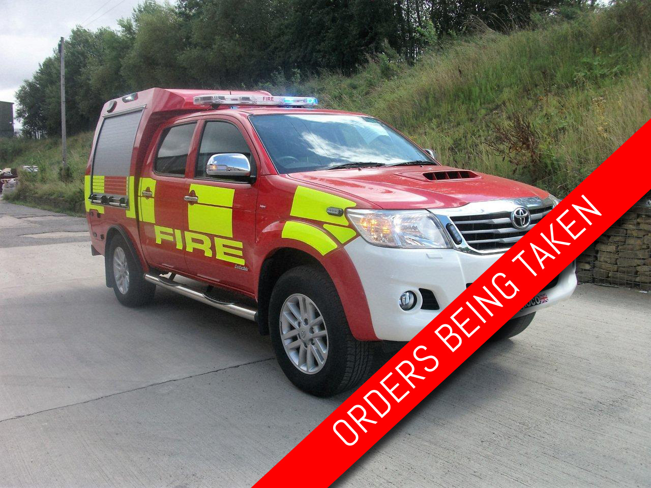 Evems.com - Fire Engines For Sale - 2014 Toyota Hilux RIV